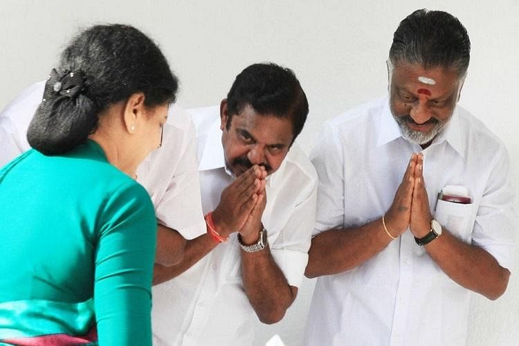 Sasikala can return if she accepts our way of working; says OPS