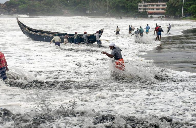 Cyclone Tauktae picks up pace as 5 states have been given high alert