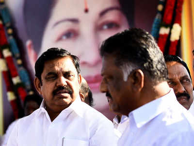 AIADMK warns members with serious consequences if any found to be in contact with Sasikala